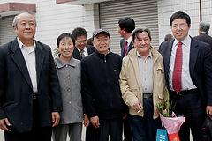 38 2008 11 母校校庆见到中学老师们.jpg