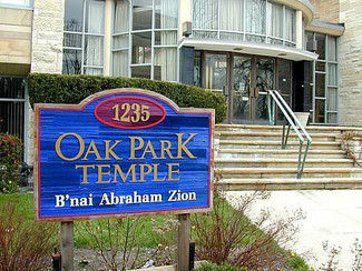Discussion at Oak Park Temple