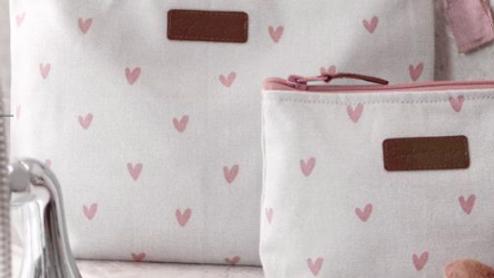 Canvas Wash Bag - Hearts