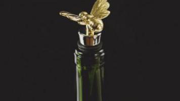 Gold Bee Bottle Stopper