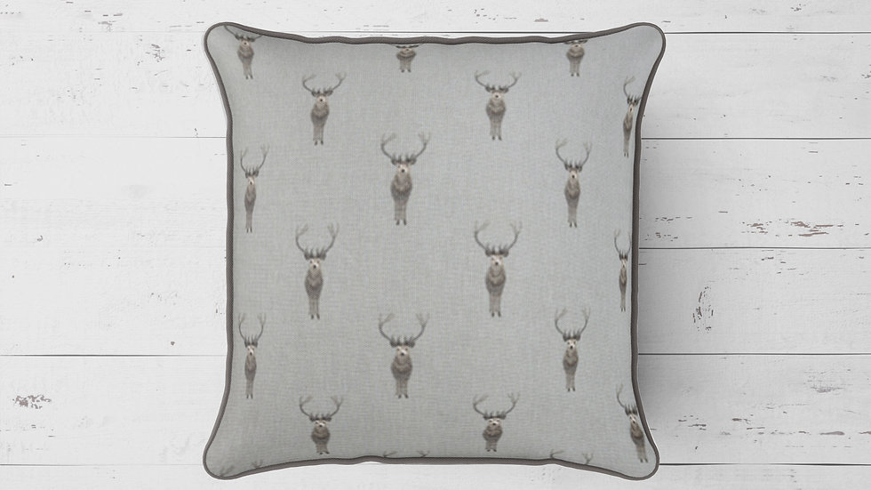 Highland Stag Piped Cushion 40cmx 40cm