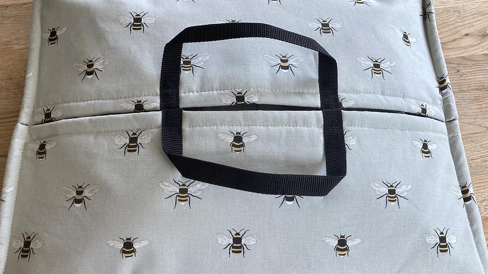 Bees - Insulated Hostess Hammock