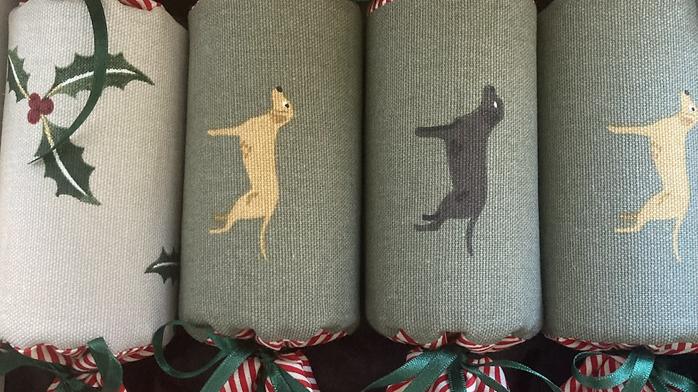 Set of Four Labrador  and Holly Christmas Reuseable Cracker