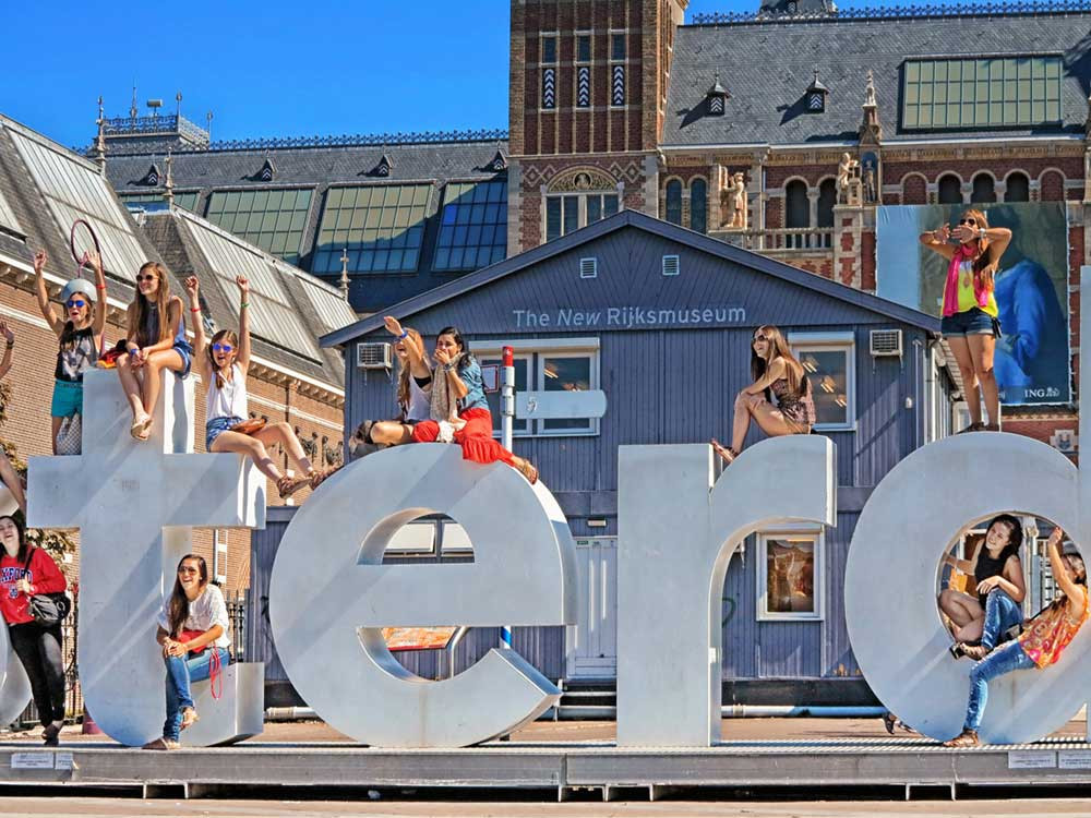 Het aantal toeristen in Nederland stijgt al jaren exponentieel en dat blijft ook zo