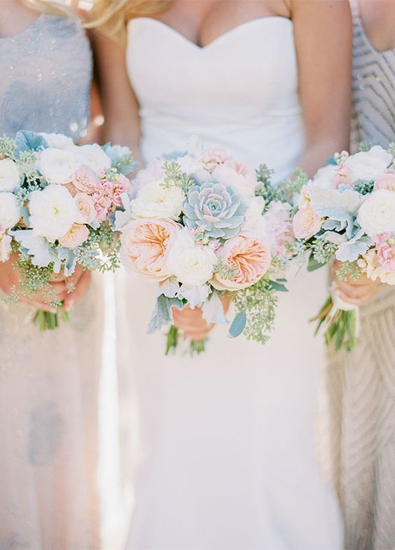 Summer-wedding-bouquets-bridesmaid-bouquet-inspiration