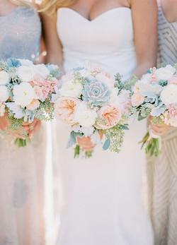 Summer-wedding-bouquets-bridesmaid-bouquet-inspiration