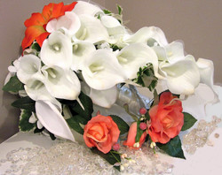 Finished bridal bouquet with two boutonnieres_edited