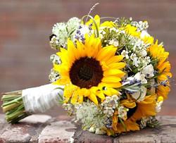 sunflower-bridal-bouquets-768x512