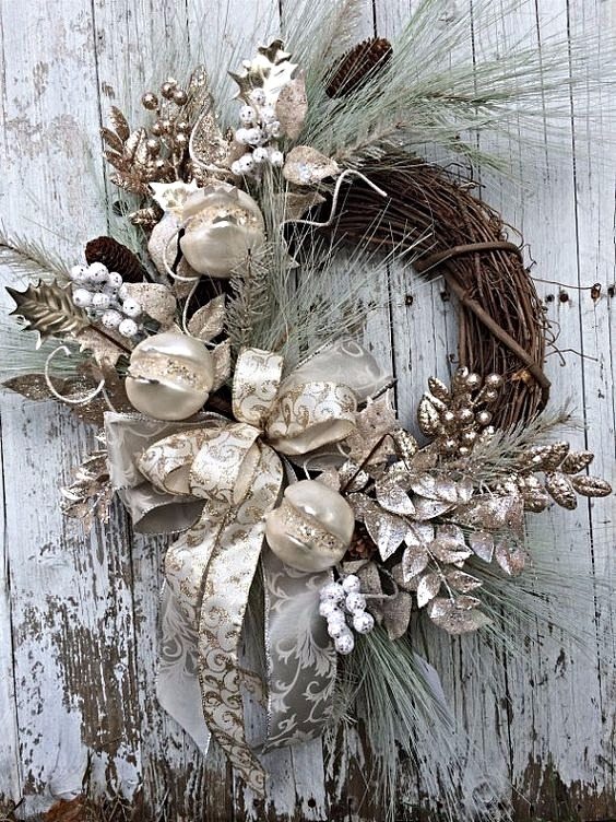 Victorian white and pewter Christmas Wreath_edited