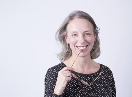 Delphine Roinel, plume de sens, devient partenaire éditoriale et relectrice d'Opération CYRANO