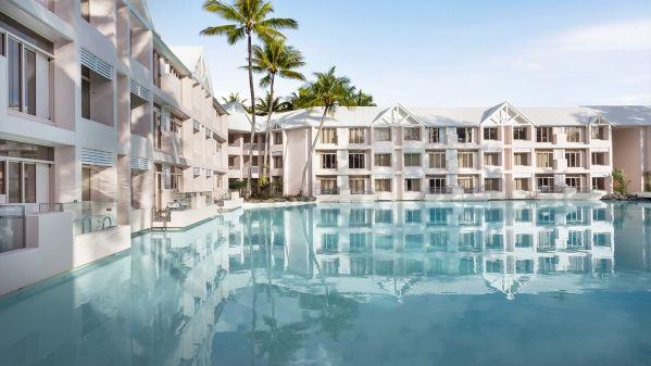 LPSshe370gr-187654-Lagoon-Swim-Up-Balcony--2--1