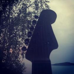 Siluett i natta_#fender #stratocaster #guitar #gitar #Axe