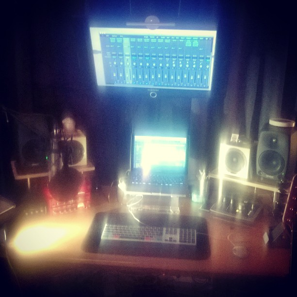 #late #studio #Songwriting #newdemo_#audien #iD22 #genelec #avantone # #Apple #røde # yamaha #gaproj