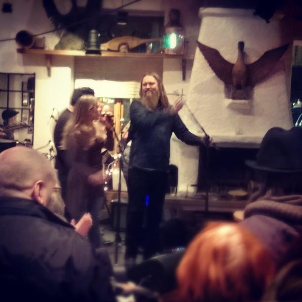 #Skarven #release #julakommer Flott! Til inntekt for juleaksjon  #gledensomgruersegtiljul # glede #b