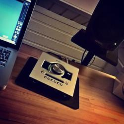 Installing new gear in new room #Christmas 🎄  #uad #universalaudio  #genelec #apple #mac #songwriti