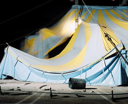 Tent collapsing (Circus Vargas)