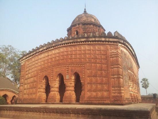 famous-madan-mohan-temple