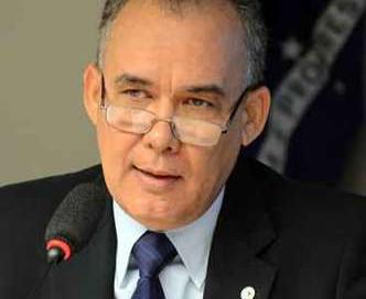 Francisco Teixeira aposta no planejamento para salvar recursos hídricos