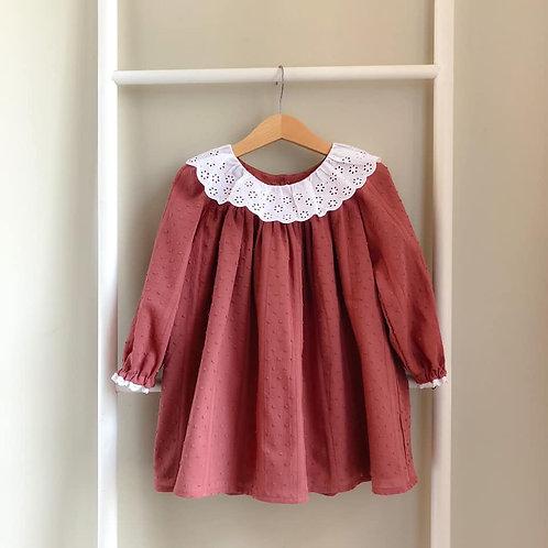 Robe Albantine, plumetis vieux rose