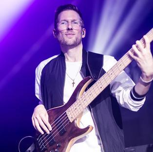Robert - Bass