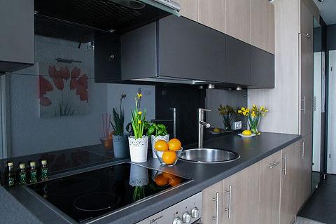 apartment-2094700_1920.jpg