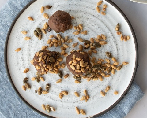 Healthy chocolate energy balls recipe