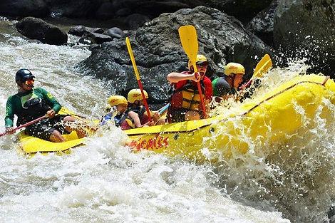 Rafting Pacuare.jpg