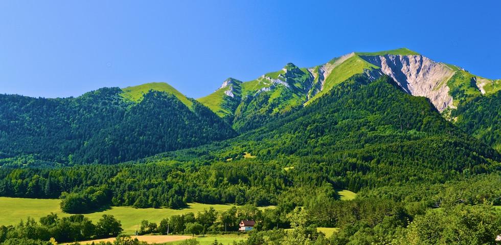 Bavarian Hillside DSC_3119.jpg