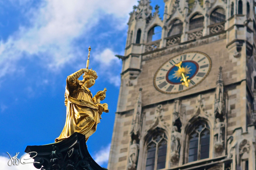 Munich Clock DSC_5421.jpg