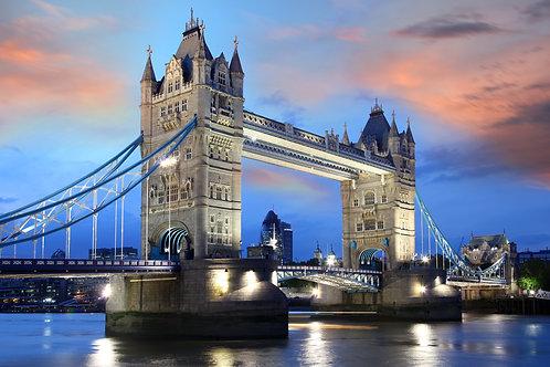 Тауэрский мост ночью в Лондоне