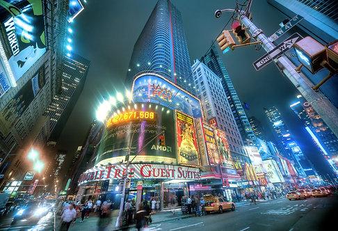 Таймс-сквер в ночном Нью-Йорке