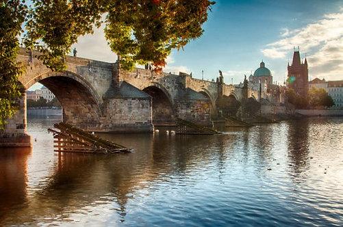 Карлов мост в Праге на рассвете