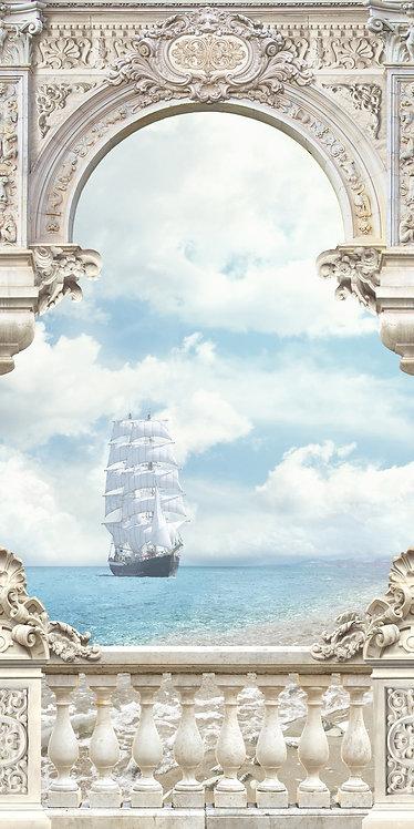 Вид с балкона на море и парусный корабль