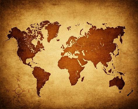 Карта мира с силуэтами материков в ретро-стиле на старой бумаге