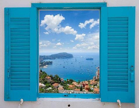Открытое окно с видом на Лазурный берег во Франции в стиле прованс