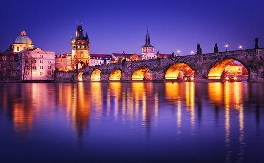 Карлов мост с отражением в воде - Прага