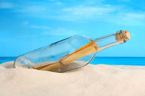 Послание в бутылке на пляже