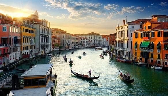 Гранд-канал в Венеции на закате