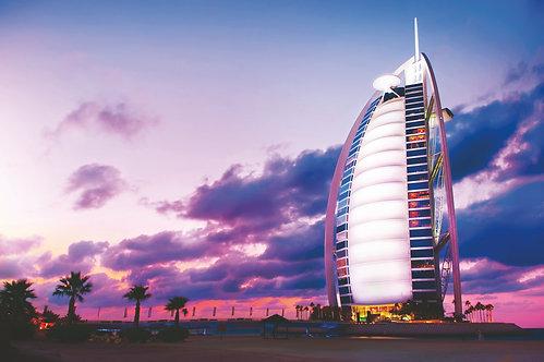 Бурдж-эль-Араб в Дубае на закате