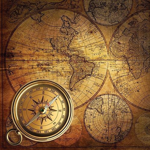 Компас на старинной карте