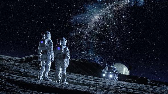 Фотообои. Фрески. Картины. Космос. Вселенная. Космонавты в скафандрах. Планета