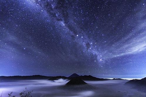 Фотообои. Фрески. Картины. Космос. Млечный Путь. Национальный парк Бромо. Ява