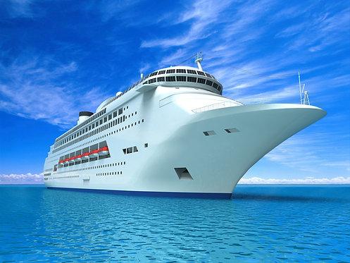 Роскошная белоснежная современная яхта