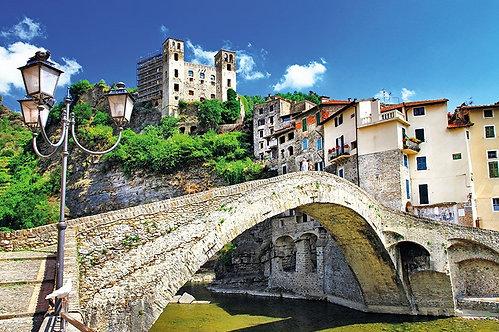 Средневековый итальянский городок Дольчеаккуа