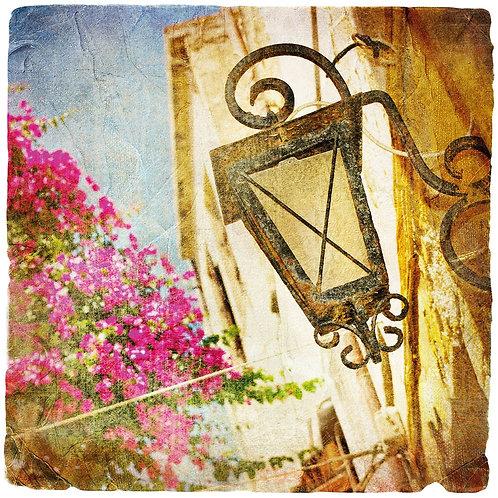 Старый уличный фонарь в стиле ретро