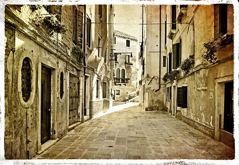 Венецианская улица  в стиле ретро