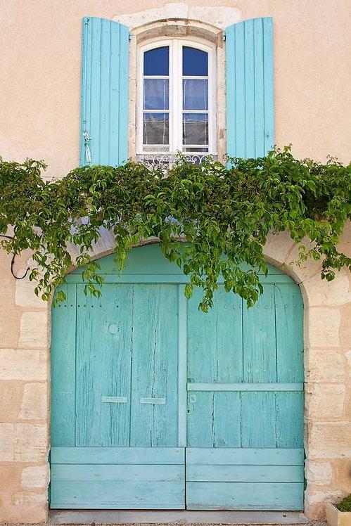 Арочные окно и ворота в стиле прованс. Франция