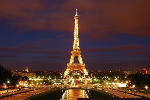Ночной вид на Эйфелеву башню