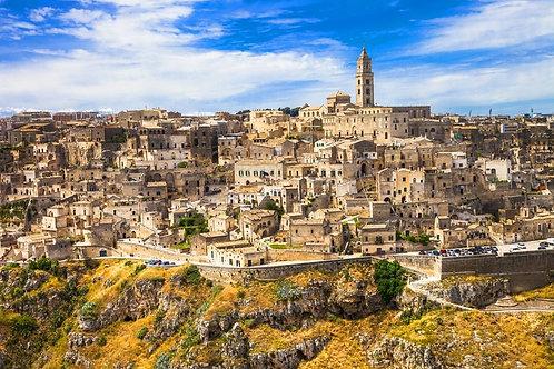 Древний пещерный итальянский город Матера