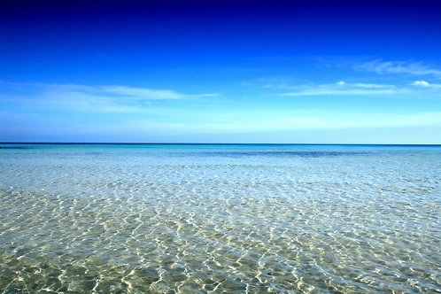 Голубое небо и синее море
